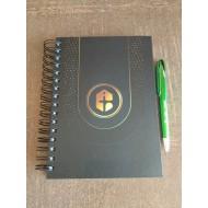 Combo Caderno preto com pauta+ Caneta verde